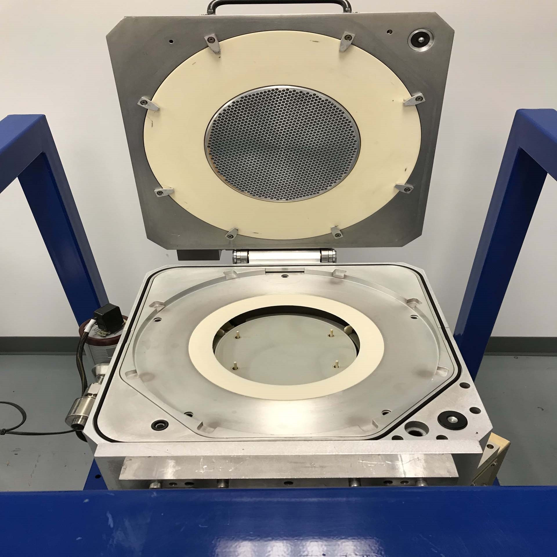Etl Testing Useful Resources: AMAT / APPLIED MATERIALS SiH4 Chamber For P5000 Parts Used