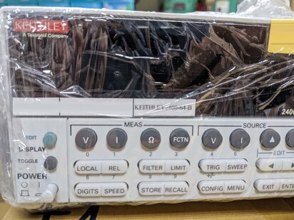 Photo used KEITHLEY 2400 for sale