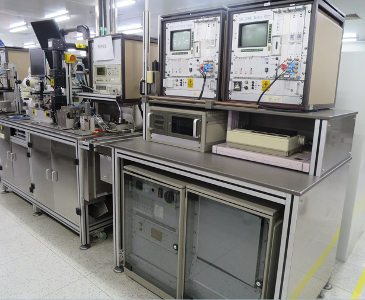 Photo used VARIOUS Lot of electronic test equipment for sale
